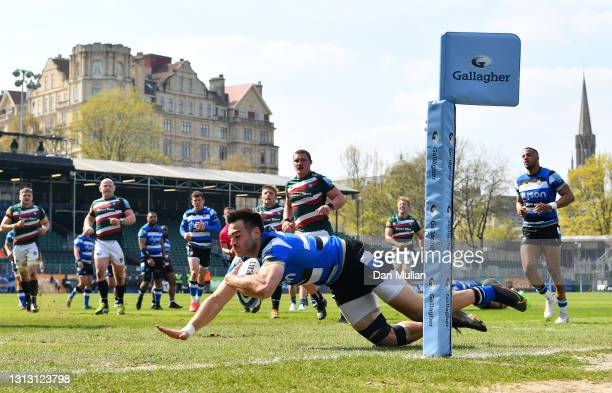 Will Muir of Bath dives over to score his side's first try during the Gallagher Premiership Rugby match between Bath and Leicester Tigers at The...
