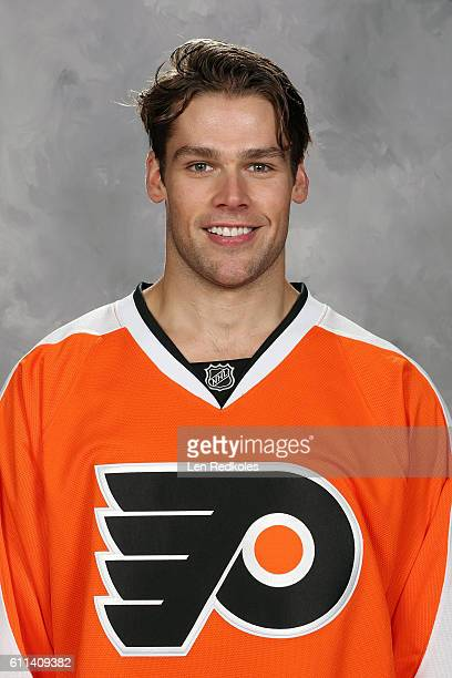 Will O'Neill of the Philadelphia Flyers poses for his official headshot for the 20162017 season on September 22 2016 at the Virtua Flyers Skate Zone...