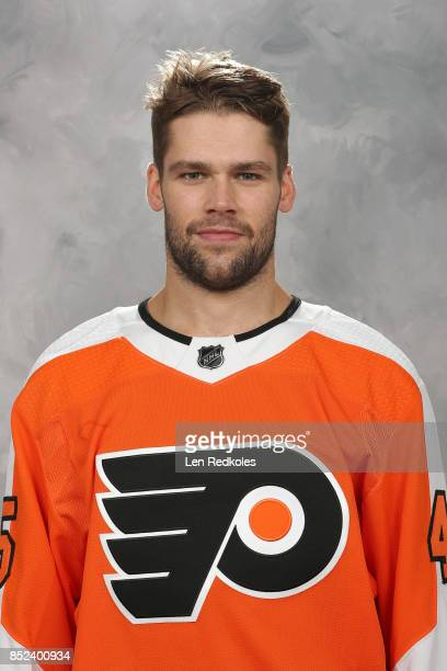 Will O'Neill of the Philadelphia Flyers poses for his official headshot for the 20172018 season on September 14 2017 at the Virtua Flyers Skate Zone...