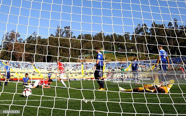 Will Pulisic goalkeeper of USA reacts after Croatia scores the 2nd goal during the FIFA U17 Men's World Cup 2015 group A match between USA and...