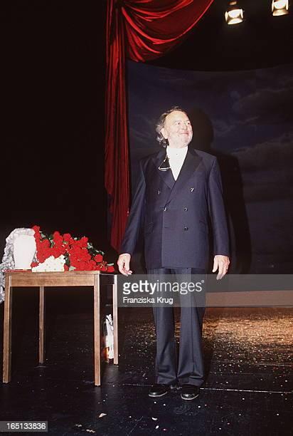 Will Quadflieg Feiert 80 Geburtstag Spra Chgeister Im Thalia Theater 80 Geburtstag Will Quadflieg