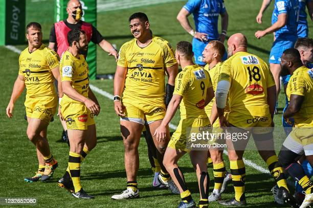Will SKELTON of La Rochelle celebrates a try with his team mates during the European Rugby Champions Cup, semi final match between La Rochelle and...