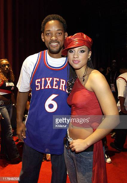 Will Smith and Alicia Keys backstage at the NBA AllStar Read to Achieve Celebration in Philadelphia Saturday February 9 2002