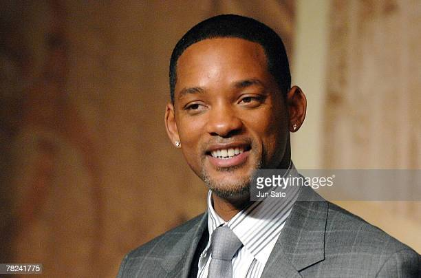 Will Smith attends a press conference of I Am Legend at Grand Hyatt Hotel on December 4 2007 in Tokyo Japan The film will be launched in Japan and US...