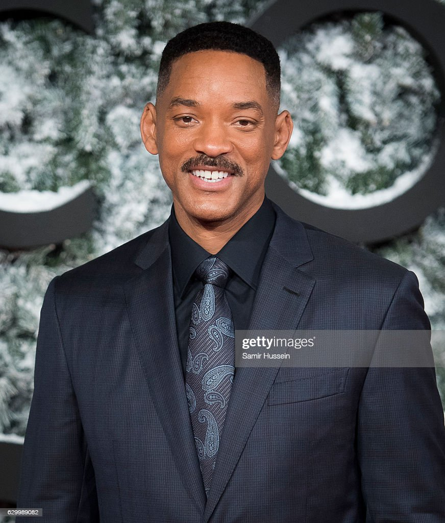 Will Smith attends the European Premiere of 'Collateral Beauty' at Vue Leicester Square on December 15, 2016 in London, England.