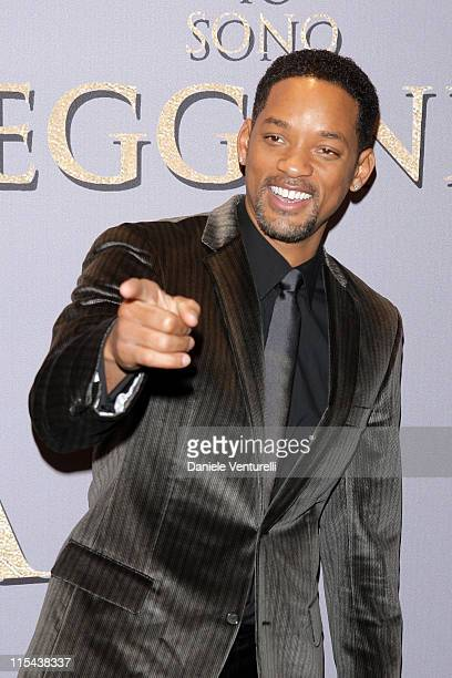 Will Smith attends the premiere of I Am Legend at Warner Village Cinemas Moderno on January 9 2008 in Rome Italy