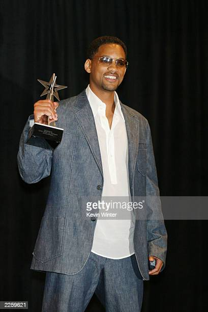 Will Smith Best Male Actor at the 2nd Annual BET Awards at the Kodak Theatre in Hollywood Ca Tuesday June 25 2002 Photo by Kevin Winter/ImageDirect