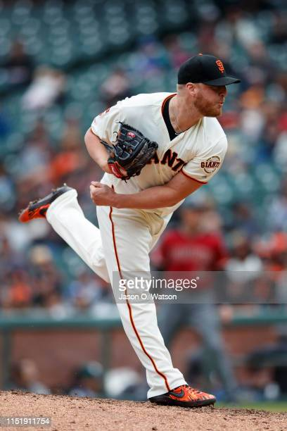 Will Smith of the San Francisco Giants pitches against the Arizona Diamondbacks during the ninth inning at Oracle Park on May 26 2019 in San...