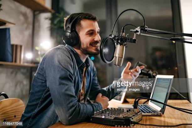 i will tell a joke now - podcasting stock pictures, royalty-free photos & images