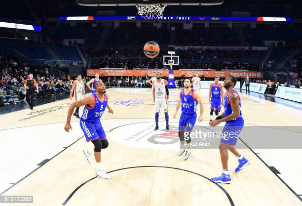 Will Thomas #0 of Valencia Basket in action during the 2017/2018 Turkish Airlines EuroLeague Regular Season Round 21 game between Anadolu Efes...
