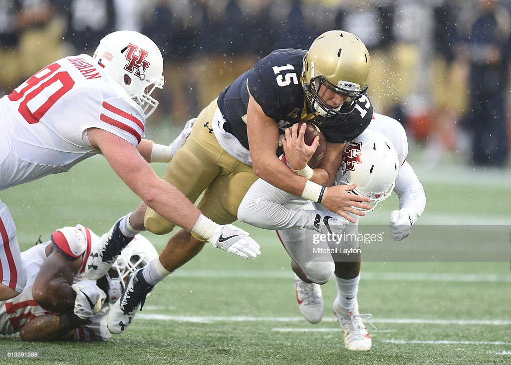 Will Worth #15 of the Navy Midshipmen runs with the ball in the first quarter during a football game against the Houston Cougars at Navy-Marines Memorial Stadium on October 8, 2016 in Annapolis, Maryland.