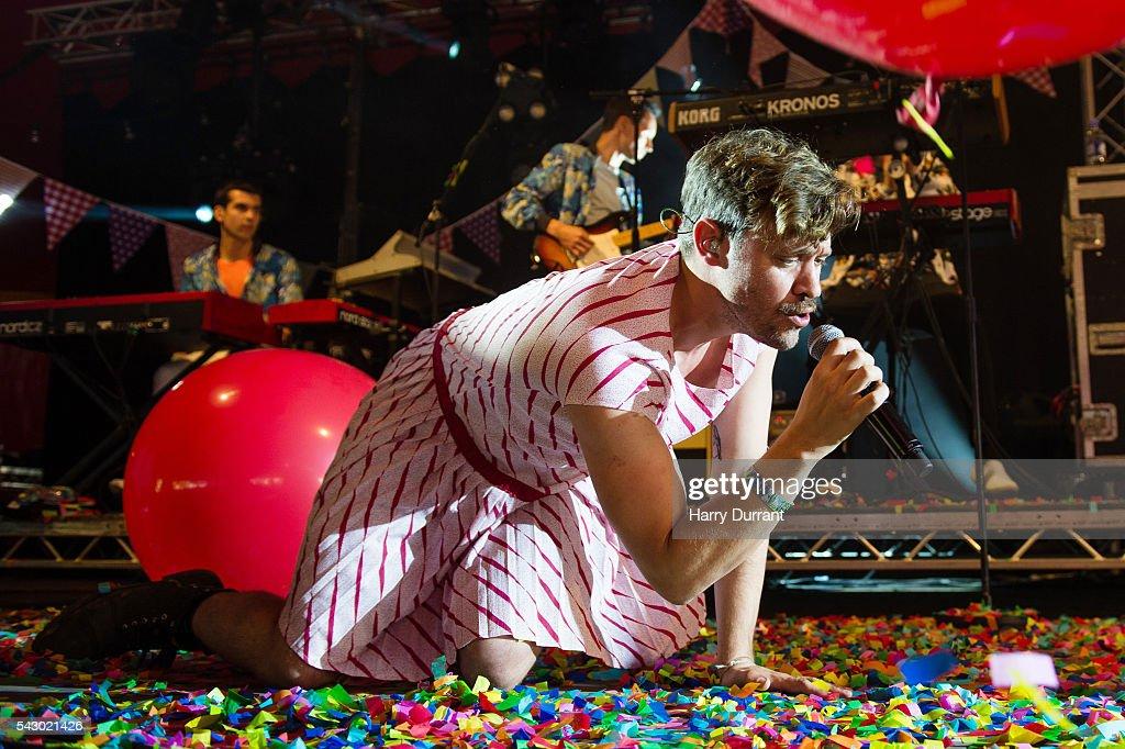 Glastonbury Festival 2016 - Day 2 : News Photo