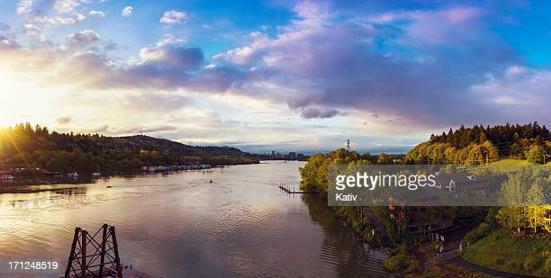willamette river, oregon - willamette river stock photos and pictures