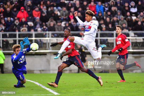 Willem Geubbels of Lyon sees his shot saved by goalkeeper Regis Gurtner of Amiens during the Ligue 1 match between Amiens SC and Olympique Lyonnais...