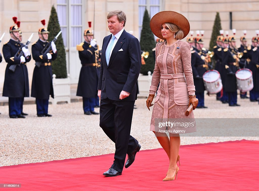 Willem-Alexander King of the Netherlands and Queen Maxima at the Elysee Palace : News Photo