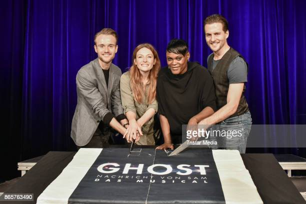 Willemijn Verkaik Marion Campel Andreas Bongard and Alexander Klaws during the rehearsal of 'Ghost The Musical' on October 24 2017 in Berlin Germany