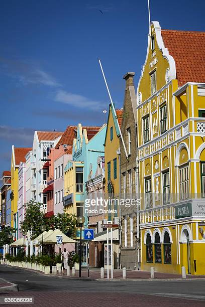 willemstad architecture - oranjestad stockfoto's en -beelden