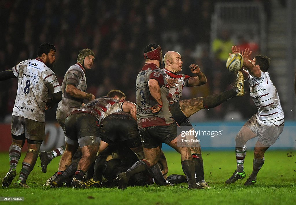 Willi Heinz of Gloucester Rugby kicks the ball during the Aviva Premiership match between Gloucester Rugby and London Irish at Kingsholm Stadium on January 2, 2016 in Gloucester, England. (Photo by Tom Dulat/Getty Images).