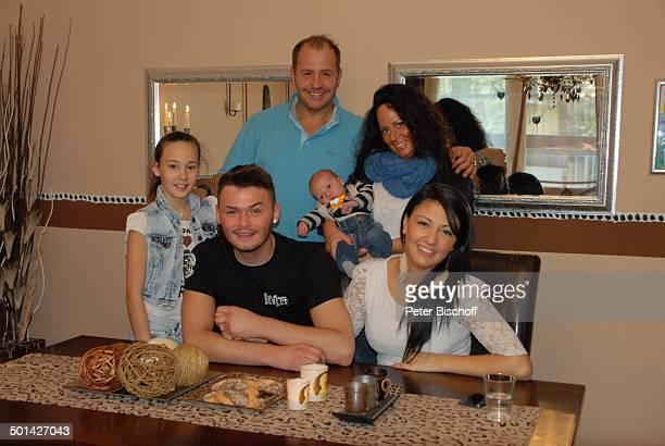 Willi Herren mit Ex-Lebensgefährtin Mirella Fazzi und Enkel Emilio-Willi sowie Tochter Allessia Milane und Sohn Stefano mit Freundin Lorena ,,...