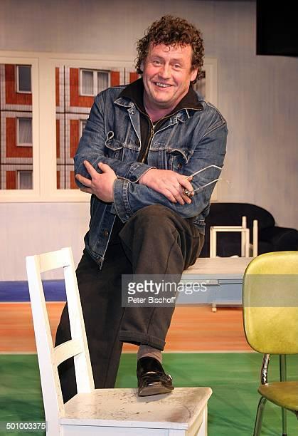 Willi Thomczyk Porträt Theaterstück Elling Düsseldorf Deutschland PNr 377/2006 Theater an der Kö Bühne Darsteller Portrait lächeln Schauspieler Promi...