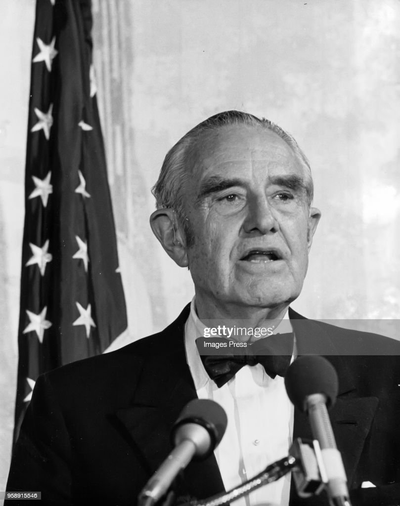 William Averell Harriman speaks as the guest of honor at a Democratic Party fundraising dinner in Washington DC on May 15, 1974.