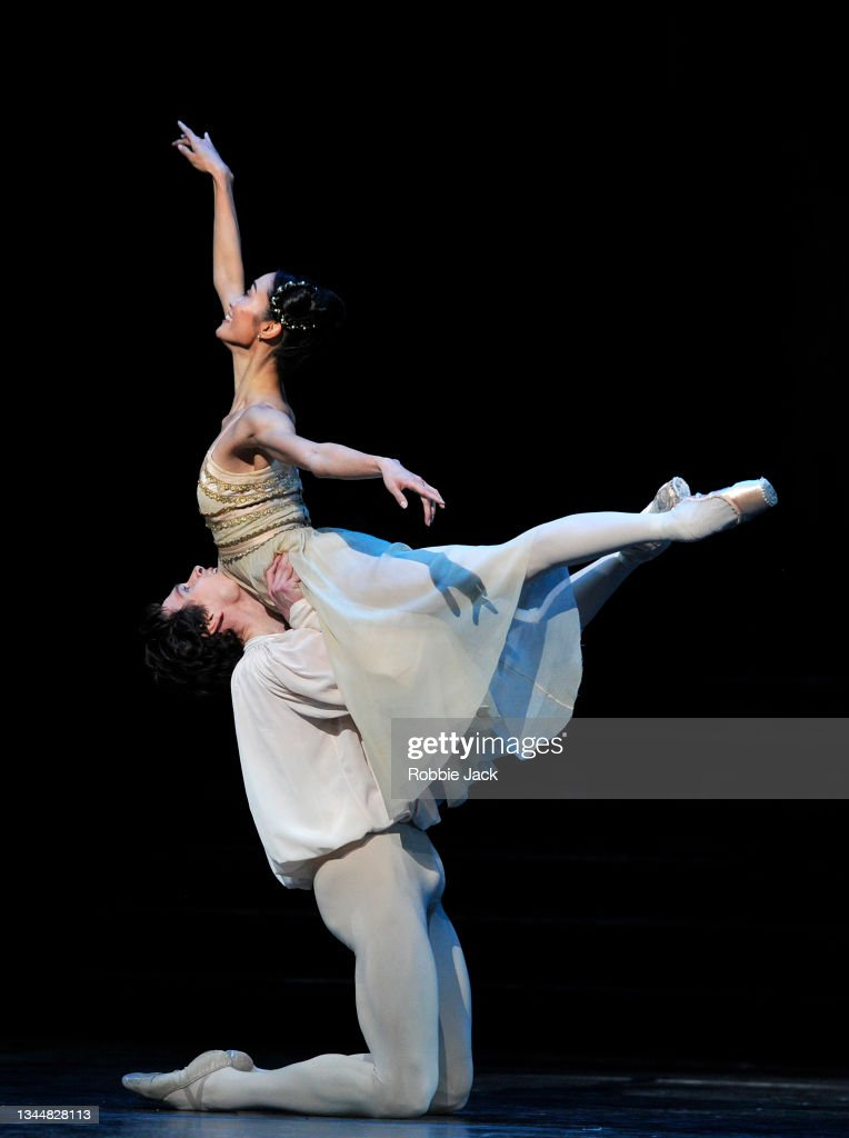 """""""Romeo And Juliet"""" By Sir Kenneth MacMillan At The Royal Opera House - Photocall : News Photo"""