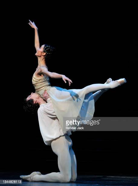 """William Bracewell as Romeo and Fumi Kaneko as Juliet in The Royal Ballet's production of Kenneth MacMillan's """"Romeo And Juliet"""" at The Royal Opera..."""