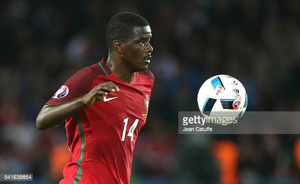 William Carvalho of Portugal in action during the UEFA EURO 2016 Group F match between Portugal and Austria at Parc des Princes on June 18 2016 in...