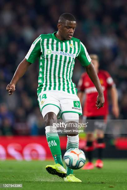 William Carvalho of Real Betis in action during the La Liga match between Real Betis Balompie and RCD Mallorca at Estadio Benito Villamarin on...
