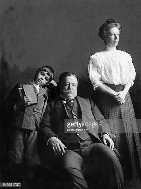 William Howard Taft *15091857Politiker Republikaner USAPräsident der USA 19091913 mit Frau und Sohn 1908 Foto Underwood Underwood New York