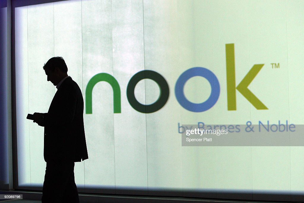 Barnes And Noble Unveils Their E-Book Reader The Nook : News Photo