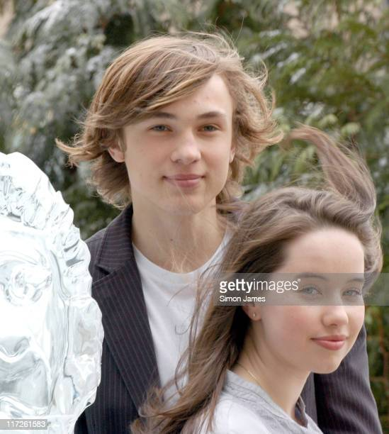 William Moseley and Anna Popplewell alongside a lifesize ice sculpture of Aslan