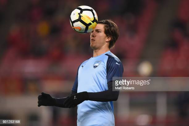 William Mutch of Sydney FC warms up prior to the AFC Champions League Group H match between Kashima Antlers and Sydney FC at Kashima Soccer Stadium...