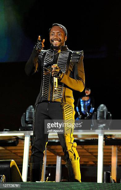 william of The Black Eyed Peas performs during the Black Eyed Peas and Friends Concert 4 NYC benefiting the Robin Hood Foundation>> on the Central...