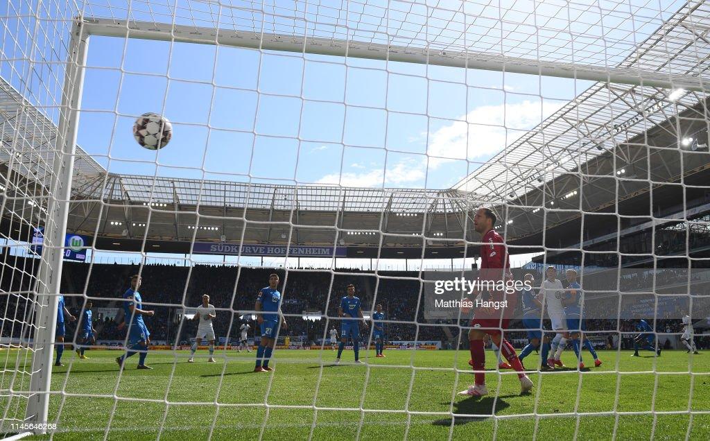 TSG 1899 Hoffenheim v VfL Wolfsburg - Bundesliga : Fotografía de noticias