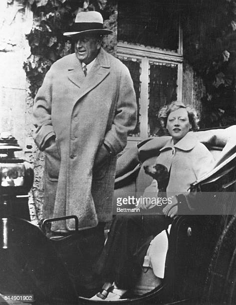 William Randolph Hearst and Marion Davies in a coach during stay in Bad Nauheim Germany