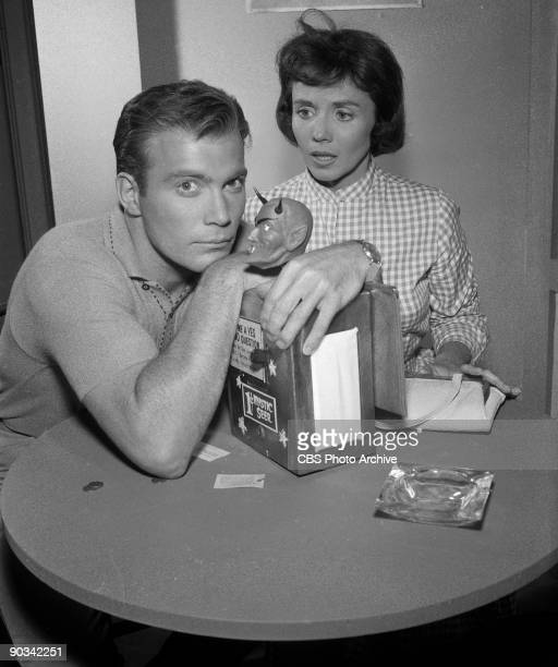 "William Shatner as Don Carter and Patricia Breslin as Pat Carter in ""Nick of Time"", season 2, episode 7 of CBS' science fiction television series,..."