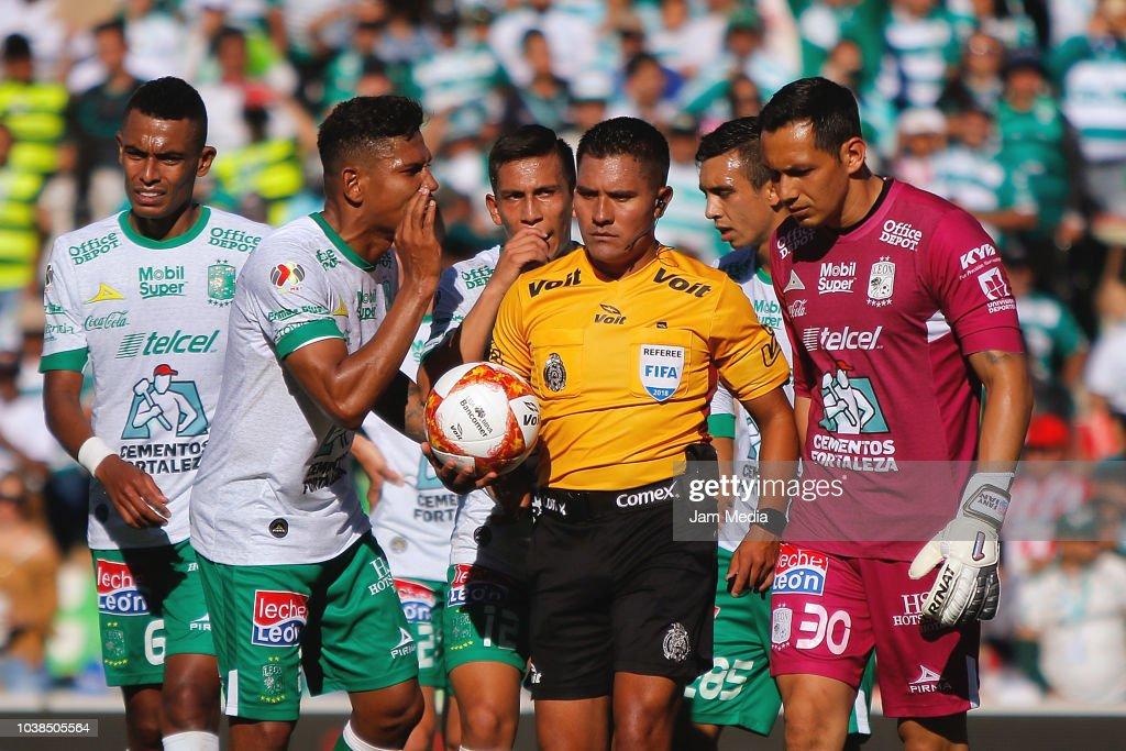 Santos Laguna v Leon  - Torneo Apertura 2018 Liga MX