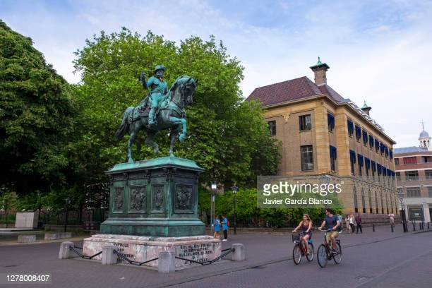 william the silent - noordeinde palace stock pictures, royalty-free photos & images