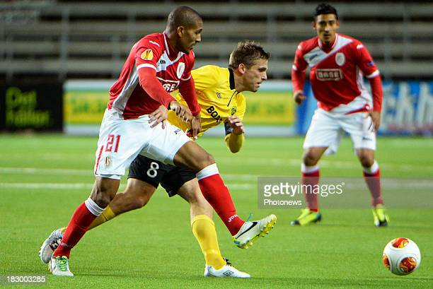 William Vainqueur of Standard Liege and Anders Svensson of IF Elfsborg during the Europa League match day 2 group C game between IF Elfsborg and...