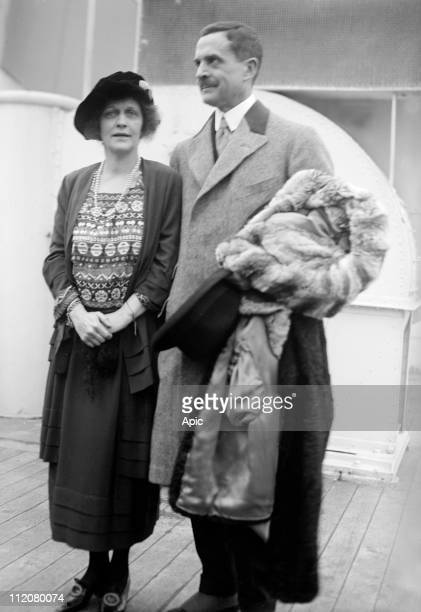 William Waldorf Astor 2nd viscount Astor, american-born British politician and newspaper proprietor, here with his wife Lady Nancy Astor aboard a...
