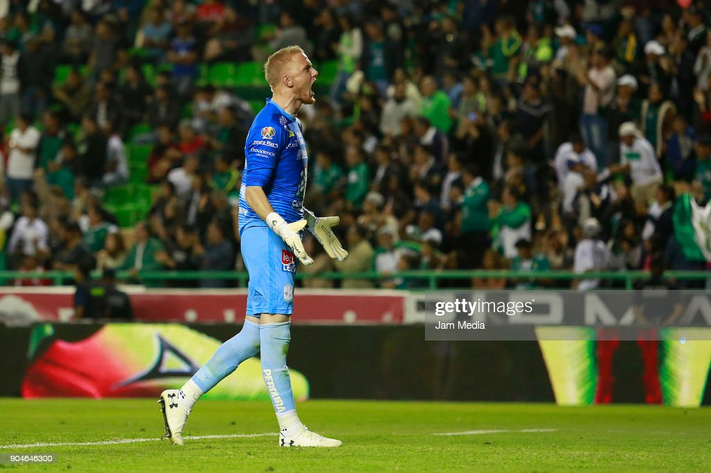 William Yarbrough of Leon reacts during the second round match between Leon and Toluca as part of the Torneo Clausura 2018 Liga MX at Leon Stadium on January 13, 2018 in Leon, Mexico.