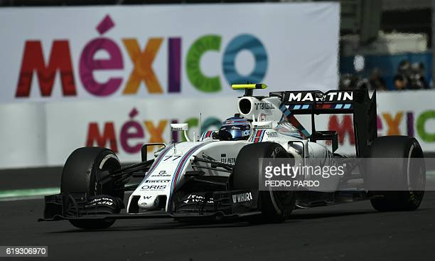 Williams Martini Racing Finnish driver Valtteri Bottas powers his car during the Formula One Mexico Grand Prix at the Hermanos Rodriguez circuit in...