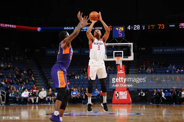 J Williams of the Agua Caliente Clippers shoots the ball against the Northern Arizona Suns on February 11 2018 at Citizens Business Bank Arena in...