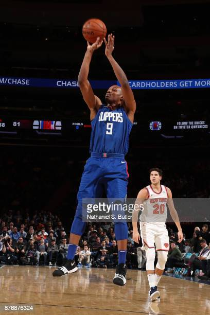 J Williams of the LA Clippers shoots the ball during the game against the New York Knicks on November 20 2017 at Madison Square Garden in New York...