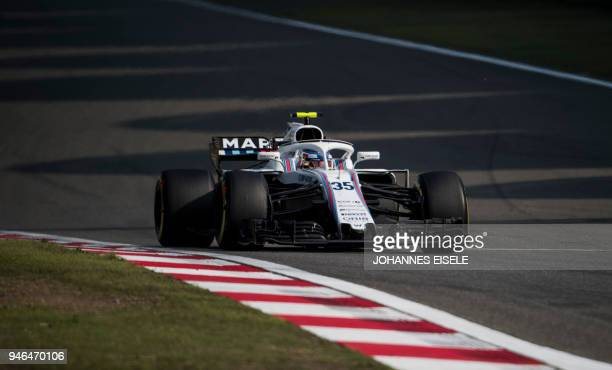 Williams' Russian driver Sergey Sirotkin steers his car during Formula One Chinese Grand Prix in Shanghai on April 15 2018 / AFP PHOTO / Johannes...