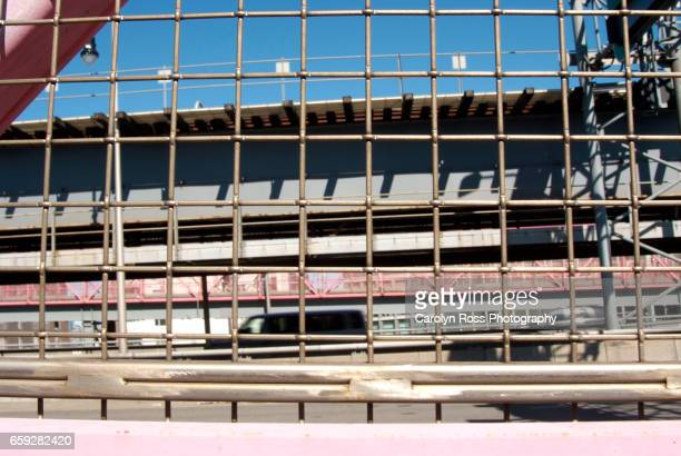 williamsburg bridge - carolyn ross stock pictures, royalty-free photos & images