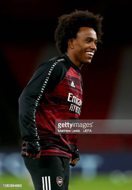 Willian of Arsenal warms up prior to the UEFA Europa League Group B stage match between Arsenal FC and Dundalk FC at Emirates Stadium on October 29...