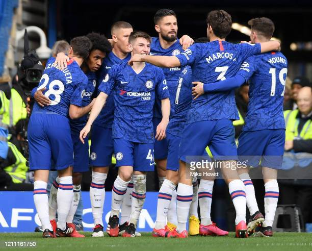 Willian of Chelsea celebrates with teammates Cesar Azpilicueta, Billy Gilmour, Ross Barkley, Olivier Giroud, Mason Mount and Marcos Alonso after...