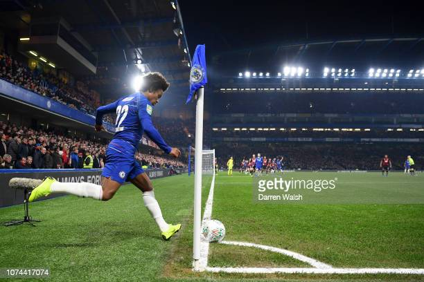 Willian of Chelsea takes a corner during the Carabao Cup Quarter Final match between Chelsea and AFC Bournemouth at Stamford Bridge on December 19...